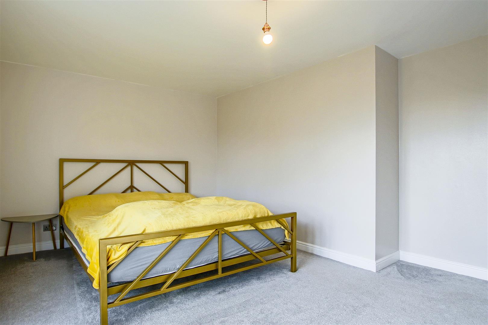 5 Bedroom Detached House For Sale - 11.jpg